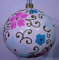 Елочный шар глянцевый белый Французские цветы 100 мм.